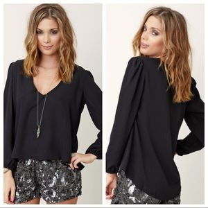 NWT Lovers + Friends day dream Blouse